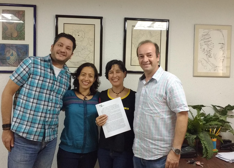 Vicente Marsella, Lisbeth Bethelmy, Mayra Rincón y Javier Martínez tras la firma del convenio